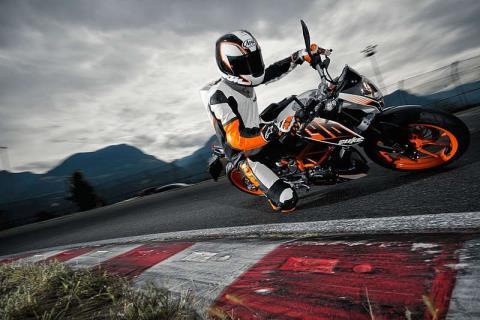 2015 KTM 390 Duke ABS in Orange, California