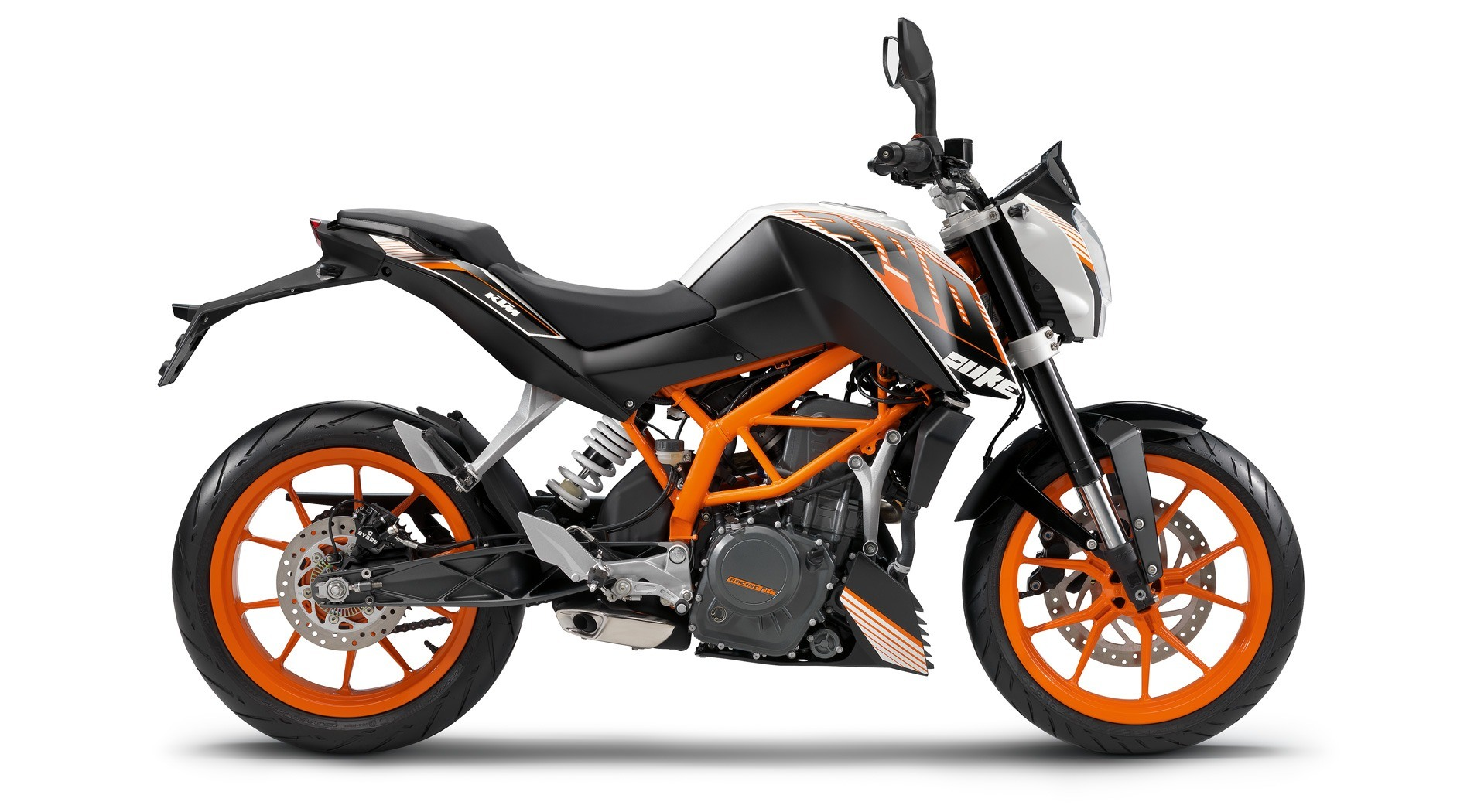 2015 KTM 390 Duke ABS in Sioux City, Iowa