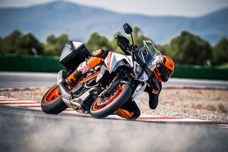 2019 KTM 1290 Super Duke GT in Gresham, Oregon