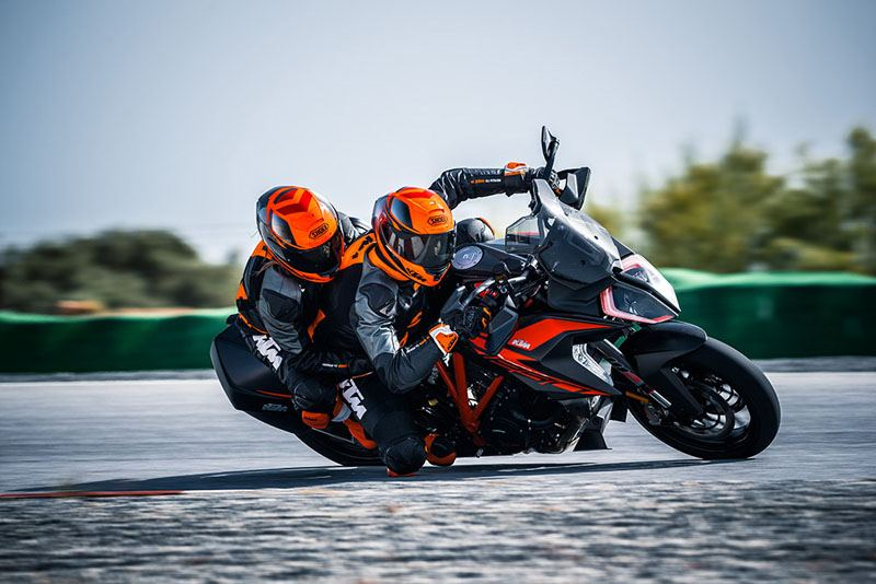 2019 KTM 1290 Super Duke GT in Olympia, Washington - Photo 5