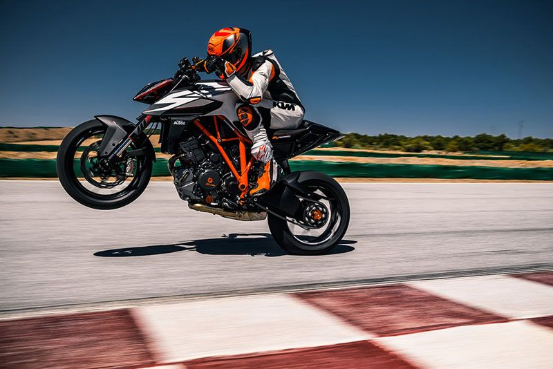 2019 KTM 1290 Super Duke R in Orange, California - Photo 3