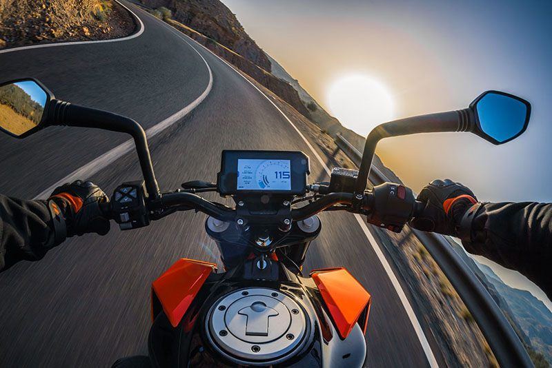 2019 KTM 390 Duke in Olympia, Washington - Photo 2