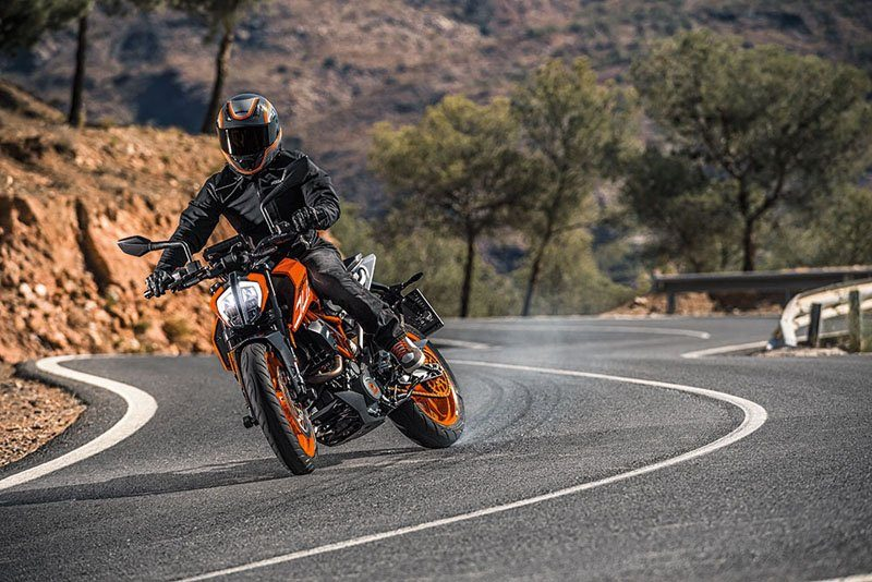 2019 KTM 390 Duke in San Marcos, California - Photo 4