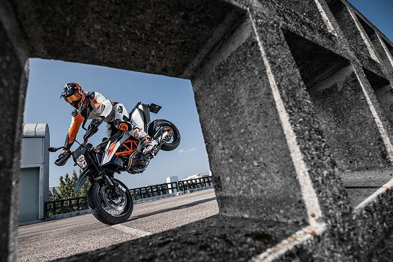 2020 KTM 690 SMC R in Athens, Ohio - Photo 3