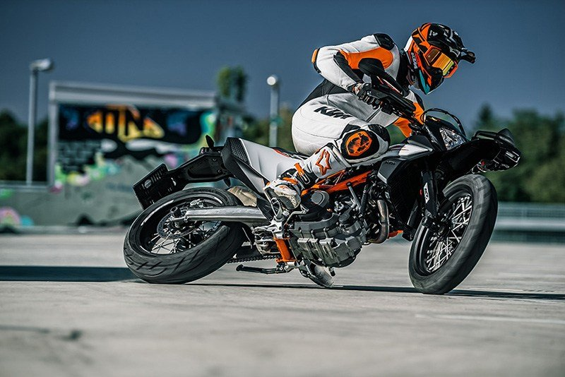 2020 KTM 690 SMC R in Athens, Ohio - Photo 5