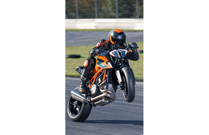 2021 KTM 1290 Super Duke R in Mount Pleasant, Michigan - Photo 10