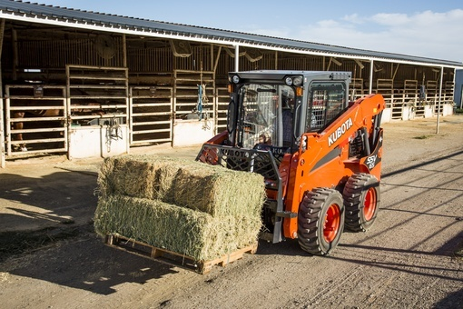 New 2017 Kubota Skid Steer Loader (SSV65) Loaders in Beaver