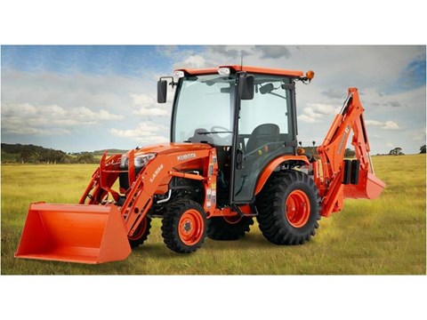 2017 Kubota Compact Tractor with Cab (B2650) in Beaver Dam, Wisconsin