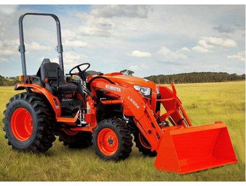 2017 Kubota Compact Tractor (B3350SU) in Fairfield, Illinois