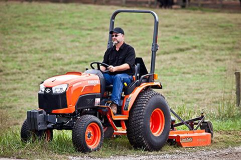 2017 Kubota Compact Tractor (B3350SU) in Bolivar, Tennessee