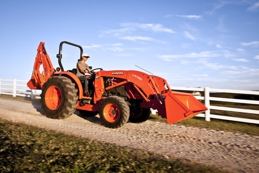 2017 Kubota Compact Tractor with GDT 4WD (L4701) in Beaver Dam, Wisconsin