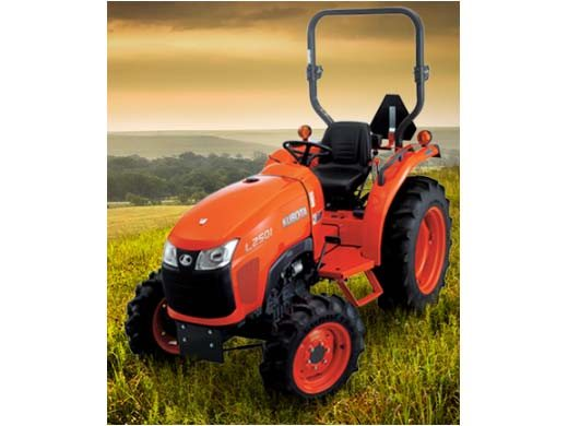 2017 Kubota Compact Tractor with HST 4WD (L2501) in Fairfield, Illinois