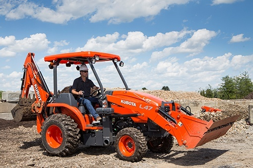 2017 Kubota L47 TLB Tractor in Bolivar, Tennessee