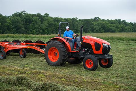 2017 Kubota Mid-Size 4WD Tractor with Cab (M5-111 HDC12) in Bolivar, Tennessee
