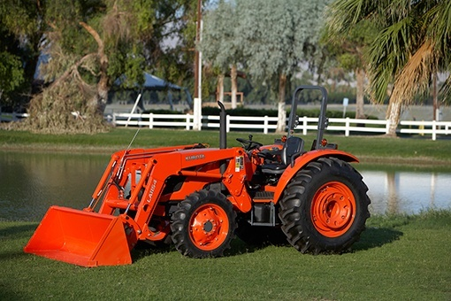 2017 Kubota Mid-Size 4WD Tractor with Cab (M7060 HDC12) in Bolivar, Tennessee