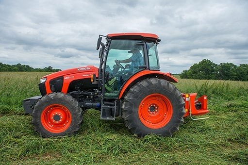 2017 Kubota Mid-Size 4WD Tractor with ROPS (M5-111 HD12) in Bolivar, Tennessee