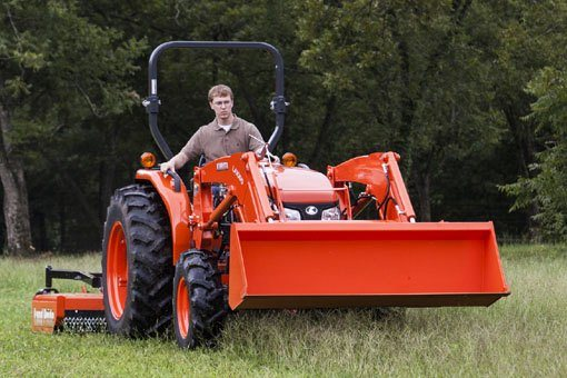 2017 Kubota Mid-Size Tractor with HST 4WD (MX5800) in Bolivar, Tennessee