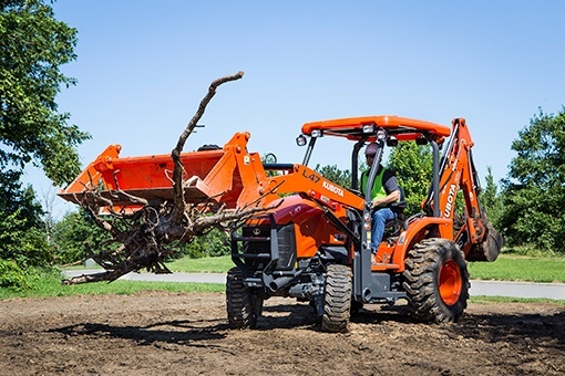 2020 Kubota TL1300 in Beaver Dam, Wisconsin - Photo 9