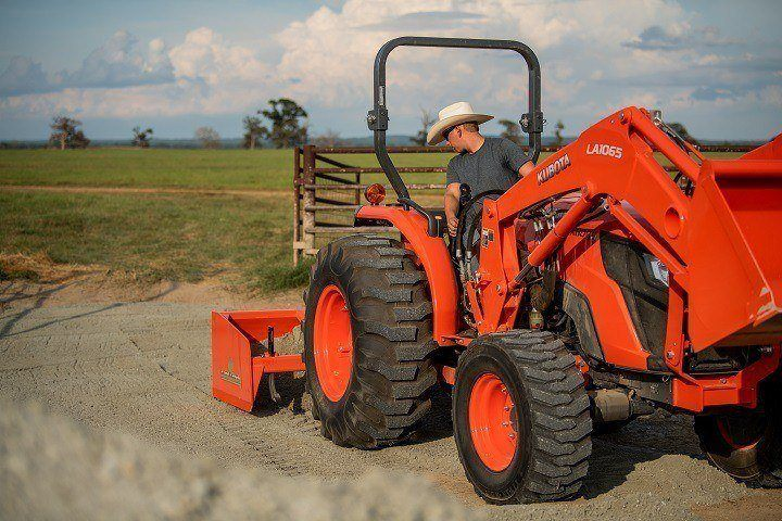 2020 Kubota MX5400 HST 4WD with Foldable ROPS in Beaver Dam, Wisconsin - Photo 9
