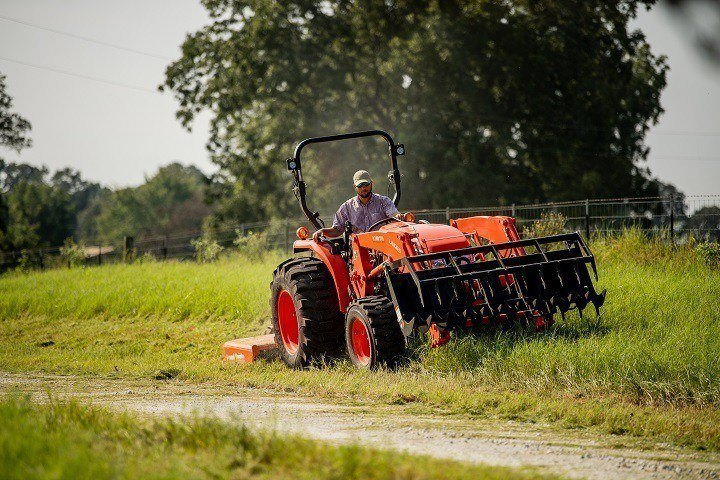 2020 Kubota MX5400 HST 4WD with Foldable ROPS in Beaver Dam, Wisconsin - Photo 11