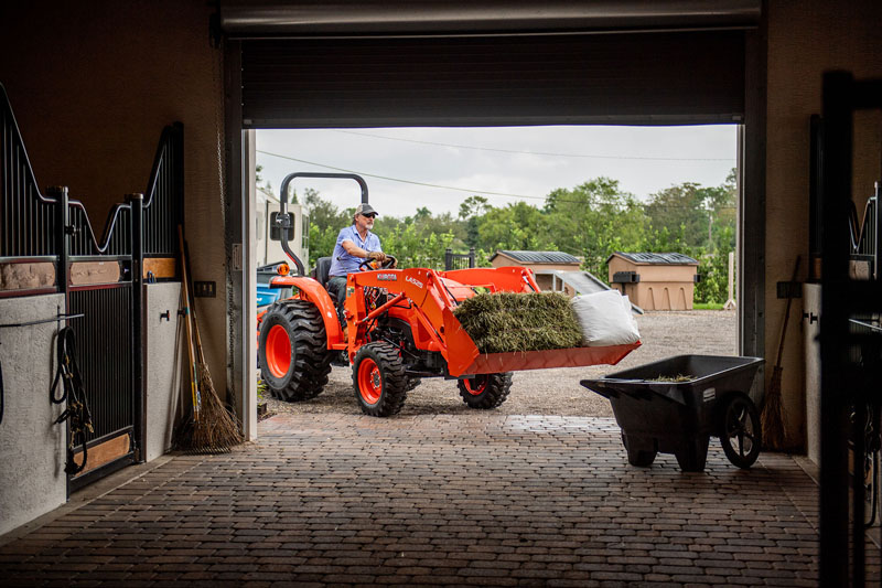 2021 Kubota L4701 HST 4WD in Beaver Dam, Wisconsin - Photo 10