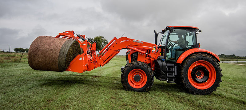 2021 Kubota M7-132 Deluxe Gen 2 in Beaver Dam, Wisconsin - Photo 2