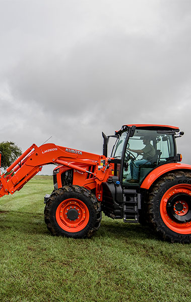 2021 Kubota M7-132 Deluxe Gen 2 in Beaver Dam, Wisconsin - Photo 3