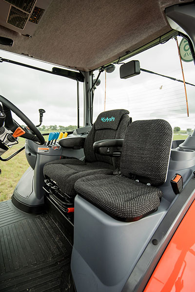2021 Kubota M7-132 Deluxe Gen 2 in Beaver Dam, Wisconsin - Photo 10