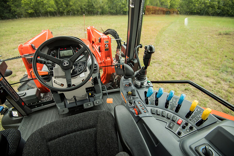 2021 Kubota M7-172 Deluxe Gen 2 in Beaver Dam, Wisconsin - Photo 11