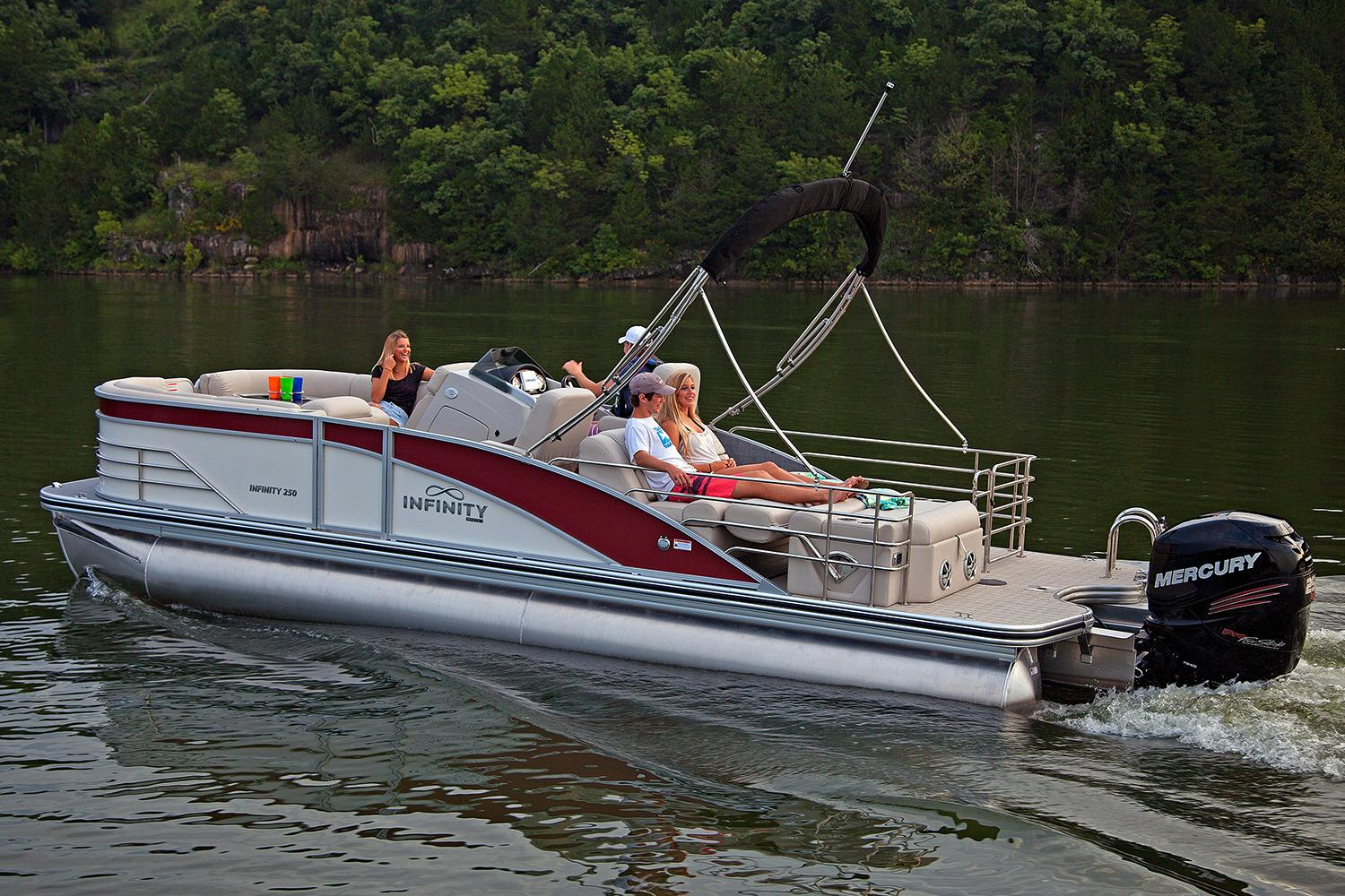 2018 Lowe Infinity 250 CL in Mount Pleasant, Texas