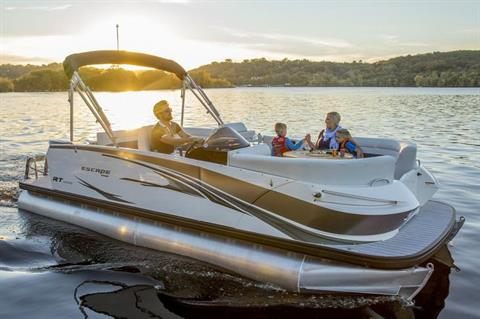 2019 Larson Escape RT 2200 Cruise Twin in Lakeport, California