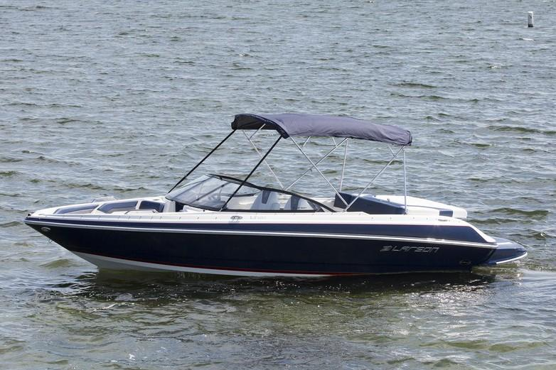 2019 Larson LX 225 IO in Holiday, Florida - Photo 2