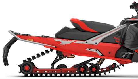 GRIP AND STABILITY: 3487 mm long Cobra track - The 3487mm long track with 41mm profile height gives the Rave RE snowmobile stability and a great grip when accelerating and braking. - Photo 4