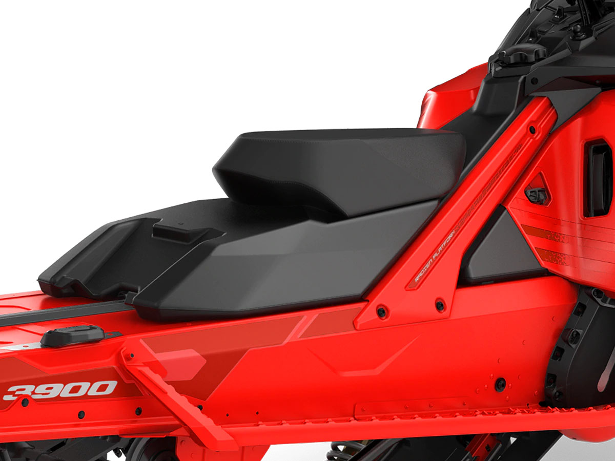 FREE MOVEMENT: BoonDocker seat - The low and lightweight seat makes rider's movement easier for aggressive riding in deep snow. - Photo 5