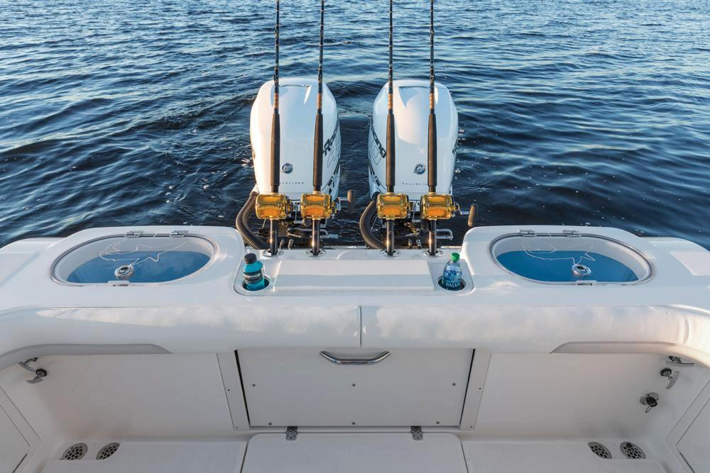 2018 Mako 334 CC Sportfish Edition in Holiday, Florida