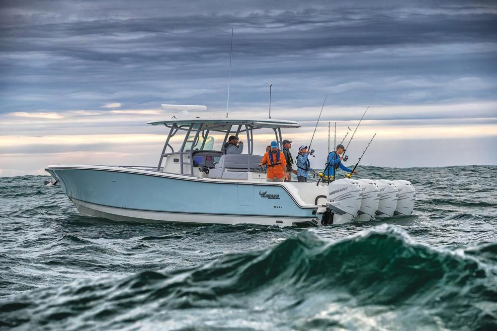 2018 Mako 414 CC Bluewater Family Edition in Holiday, Florida