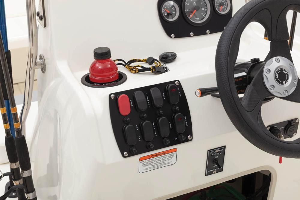 2020 Mako Pro Skiff 19 CC Guide Pkg in Waco, Texas - Photo 9