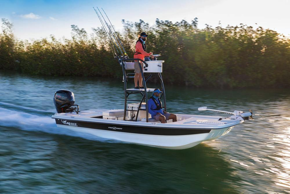 2020 Mako Pro Skiff 19 Top Drive in Eastland, Texas - Photo 2