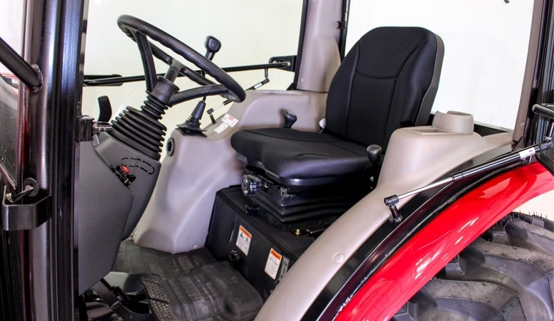 2016 Mahindra 2538 4WD HST Cab in New Braunfels, Texas