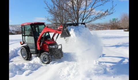 2016 Mahindra Max 26XL 4WD HST Cab in Mount Pleasant, Michigan