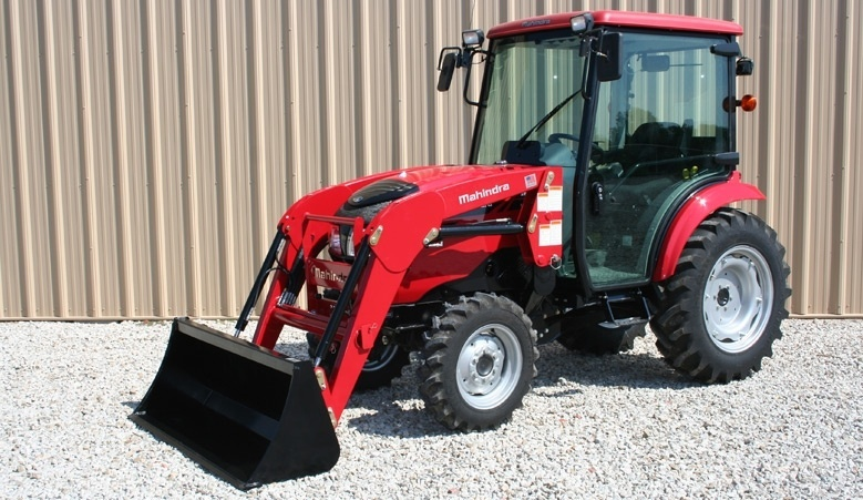 2017 Mahindra 1538 HST Cab in Elkhorn, Wisconsin