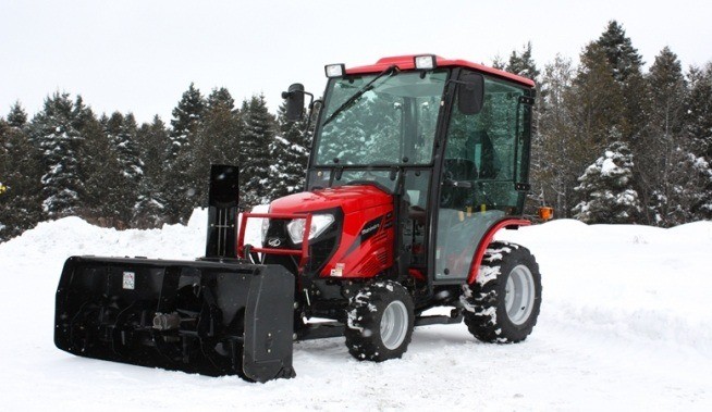 2017 Mahindra eMax 25S HST Cab in Elkhorn, Wisconsin