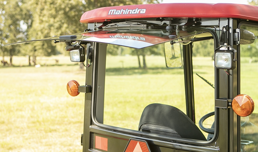 2019 Mahindra 1640 HST Cab in Saucier, Mississippi