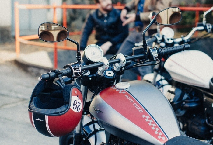 2016 Moto Guzzi V9 Bobber in Edwardsville, Illinois