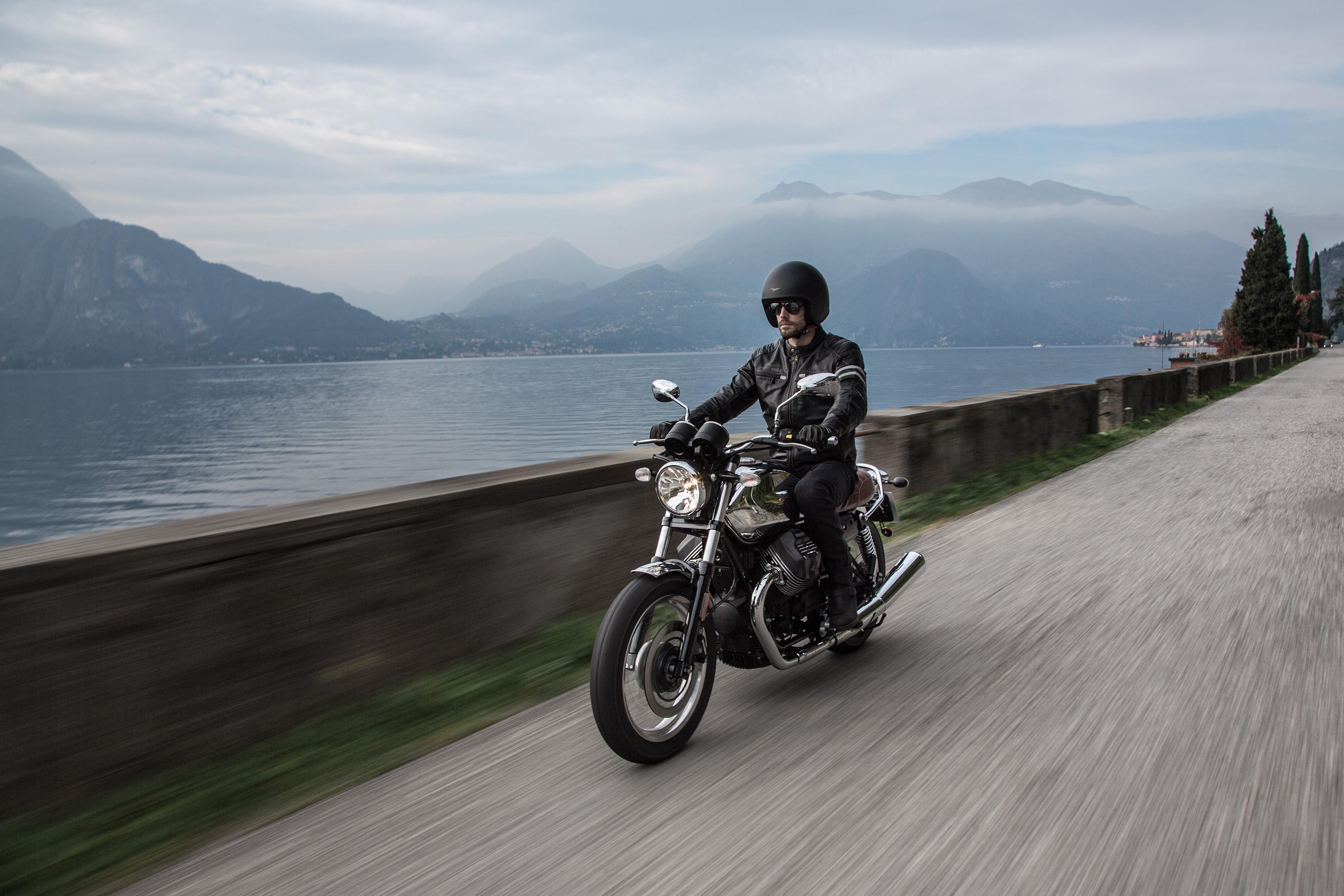 2017 Moto Guzzi V7 III Anniversario ABS in Brea, California