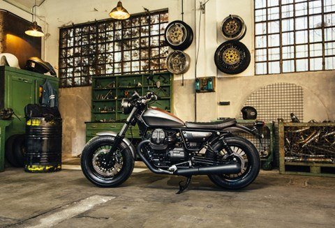 2017 Moto Guzzi V9 Bobber in Goshen, New York - Photo 4
