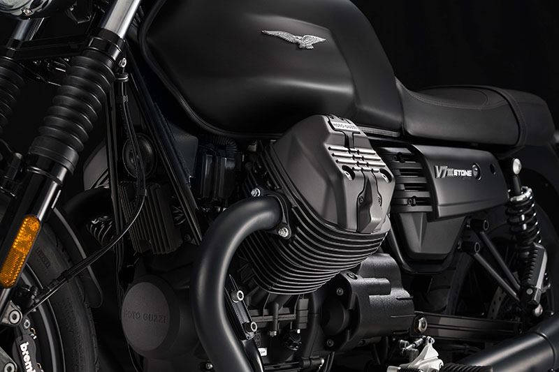 2017 Moto Guzzi V7 III Stone in Goshen, New York - Photo 4