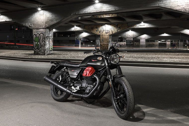 2018 Moto Guzzi V7 III Carbon Dark in Elk Grove, California