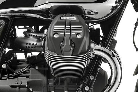 2018 Moto Guzzi V7 III Carbon Shine in Middleton, Wisconsin