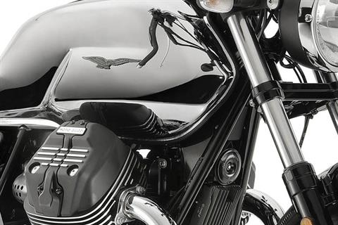2018 Moto Guzzi V7 III Carbon Shine in Edwardsville, Illinois - Photo 8